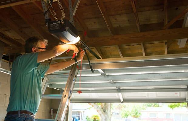 Garage Door Repair in Clinton Township MI