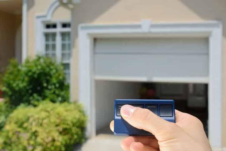 6 Reasons to Replace Your Garage Door