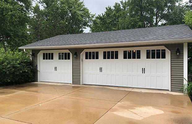 Picture of garage doors in Chesterfield MI home.