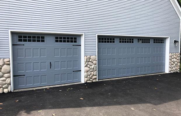 Picture of garage doors in Clay MI home.